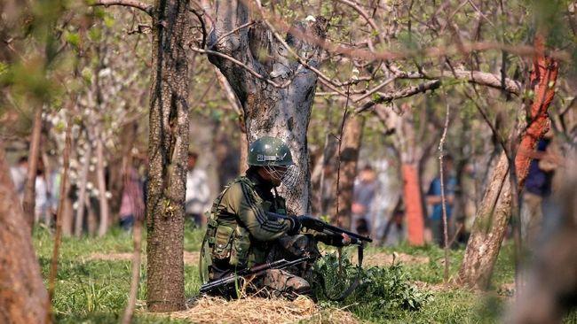 Sejauh ini, Pakistan telah menawarkan membantu penyidikan terkait bom Kashmir, juga pertemuan untuk membicarakan isu-isu kedua negara.
