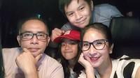 <p>Halo Bunda, ini dia keluarga Novita Angie dengan personel lengkap. (Foto: Instagram/novitaangie)</p>