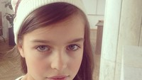 Dengan gaya begini, Alisa jadi kelihatan jauh lebih dewasa. (Foto: Instagram/bragina__marina)