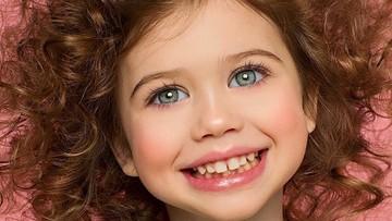 Gadis 3 Tahun Ini Fotogenik Banget, Bikin Gemas Maksimal