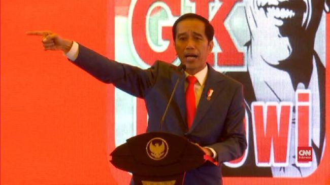 Presiden Jokowi meminta sampah dalam negeri diprioritaskan untuk memenuhi kebutuhan bahan baku industri daripada impor dari negara lain