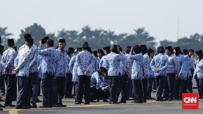 BKN segera mengatur perpindahan PNS di 18 badan yang dibubarkan oleh Presiden Jokowi. Sementara, tenaga hororer akan diberhentikan.