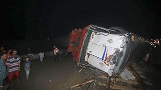 Tabrakan Kereta dan Truk di Ngawi, Masinis Tewas
