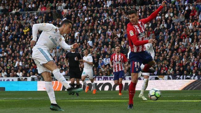 Laga Derby Madrid antara Real Madrid vs Atletico Madrid pada lanjutan Liga Spanyol di Stadion Santiago Bernabeu, Minggu (8/4), berakhir imbang 1-1.