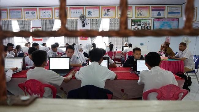 Pemerintah Klarifikasi Anggaran Laptop Pelajar Rp10 Juta