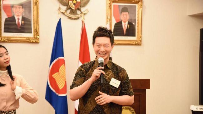 Puluhan warga Korea Selatan yang pernah berkunjung ke Indonesia menyampaikan unek-uneknya di Wisma Duta KBRI Seoul, Minggu (8/4).