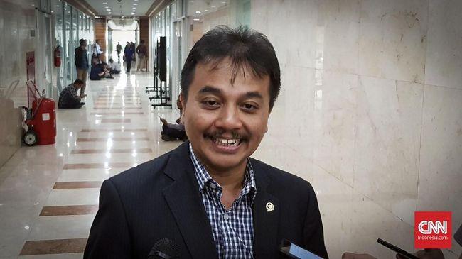 Mantan Menpora Roy Suryo berencana melaporkan artis Lucky Alamsyah terkait unggahan insiden serempet mobil ke Polda Metro Jaya.