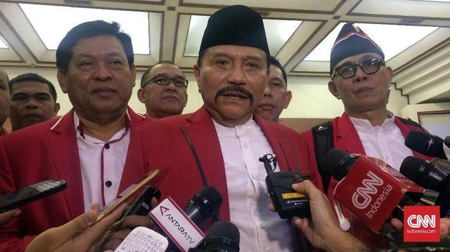 Usai PKPI ditetapkan sebagai peserta pemilu 2019, AM Hendropriyono menyatakan akan melepas jabatan ketua umum partai dan mundur dari dunia politik.