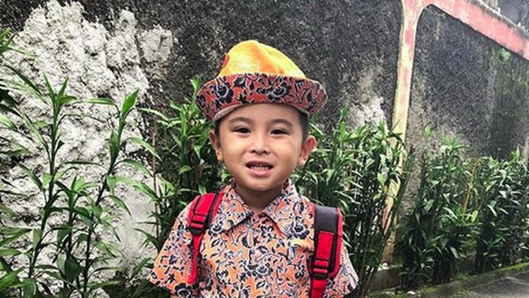 Anak Daus Mini, Ivander Haykal Firdaus berulang tahun. Demi kado ultah, sang ibunda rela keliling mal. So sweet!