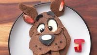 <p>Scooby doo be doo, where are you? Tuh, ada tokoh kartun Scooby Doo lho di piring makan si kecil. (Foto: Instagram/ @jacobs_food_diaries) </p>