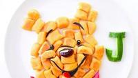 <p>Si kecil bakal tega nggak ya memakan sajiannya kalau berbentuk wajah Pooh yang menggemaskan begini. Hi-hi-hi. (Foto: Instagram/ @jacobs_food_diaries) </p>