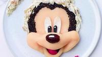 <p>Tadi udah ada Pluto, sekarang giliran Mickey yang beraksi. (Foto: Instagram/ @jacobs_food_diaries) </p>