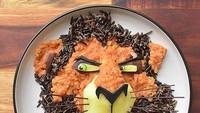 <p>Masih ingat nggak, Bun, ini siapa? Yap, ini Scar, paman Simba di film 'Lion King'. (Foto: Instagram/ @jacobs_food_diaries) </p>