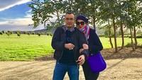 <p>Marini Zumarnis dan Denny Wardhana menikah di tahun 1998. Itu artinya, tahun ini pernikahan mereka sudah masuk tahun ke-20, Bun. (Foto: Instagram/ @marinizumarnisreal) </p>