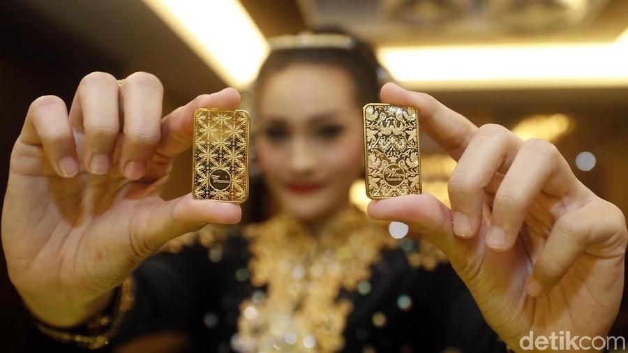 Investasi Emas, Lebih Baik Bunda Pilih Emas Batangan atau Perhiasan?