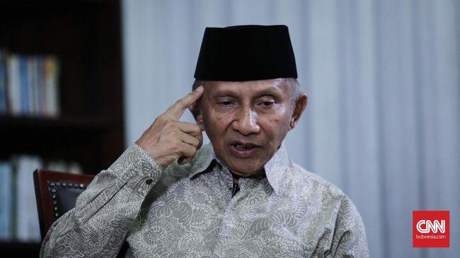 Amien Rais meminta Menteri Agama Lukman Hakim Saifuddin mundur karena kebijakan soal daftar 200 mubalig rekomendasi bisa memicu kegusaran di masyarakat.