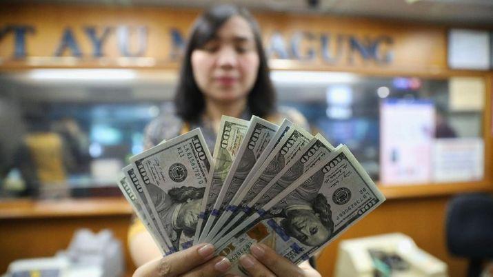 Pembukaan Pasar: Rupiah Melemah ke Rp 15.095/US$