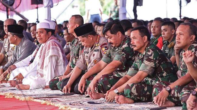 Menjadikan terorisme sebagai musuh bersama, Kapolri Tito Karnavian tidak keberatan jika TNI dilibatkan menumpas aksi terorisme lewat revisi UU terorisme.