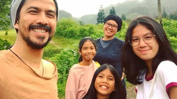 Kedekatan Ariyo Wahab dengan Anak Perempuannya, Buat Hati Meleleh
