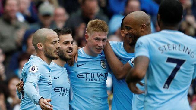Manchester City menang 5-0 atas Swansea City di Stadion Etihad dalam lanjutan pertandingan Liga Inggris, Minggu (22/4).
