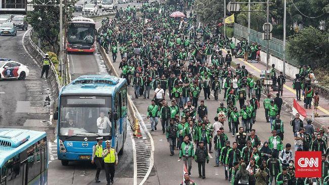 Demo Ojol di Bandung, Tuntut Bos Taksi Malaysia Minta Maaf