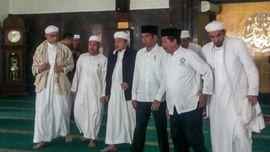 Kepentingan Politik di Balik Pertemuan Jokowi dan Alumni 212