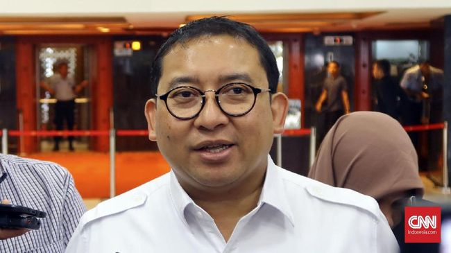 Politikus Gerindra Fadli Zon menganggap sebutan Poros Mekah dan Poros Beijing sekadar istilah, namun dia mempersilakan rakyat menafsirkan sendiri istilah itu.