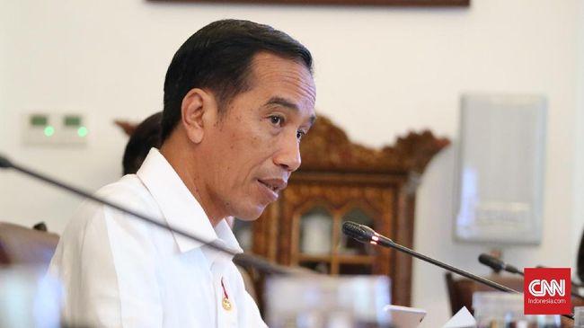Presiden Joko Widodo menginstruksikan seluruh menteri ekonomi untuk memastikan tak ada penghambat daya saing ekspor mendatang.