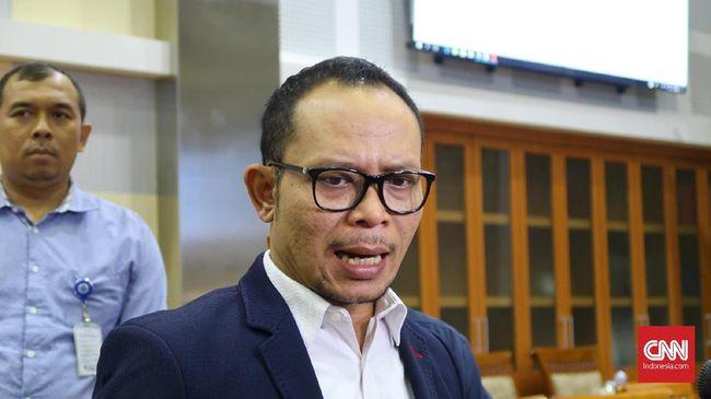 Menteri Ketenagakerjaan mengaku menerima permintaan audiensi dari beberapa industri rokok karena khawatir kenaikan cukai rokok bisa berimbas pada PHK.