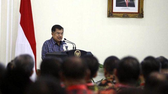 Ketua Tim Ahli Wakil Presiden Sofjan Wanandi menyatakan JK harus fokus menjalankan roda pemerintahan selama Jokowi cuti kampanye.