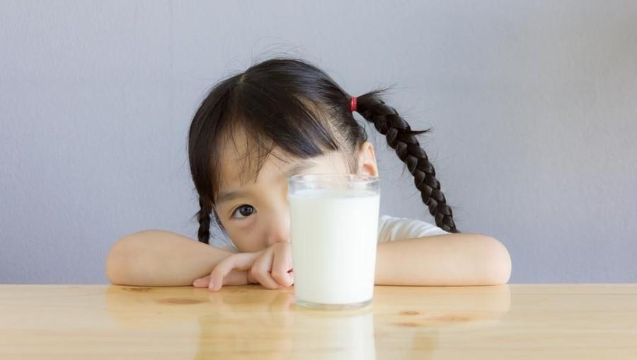 Bunda, Perhatikan Hal Ini Sebelum Beri Anak Susu UHT