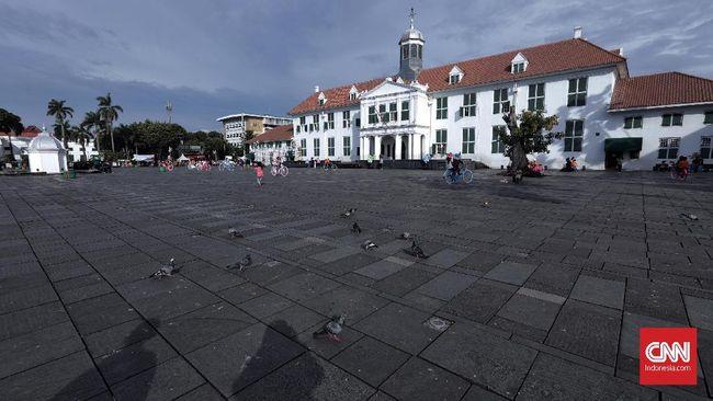 Kepemilikan lahan maupun bangunan yang beragam di Kota Tua Jakarta menjadi hambatan dalam proses seleksi Situs Warisan Dunia oleh UNESCO.