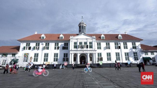 Pada hari kedua idul fitri, museum-museum di kawasan kota tua Jakarta beroperasi hingga pukul 20.00 WIB.