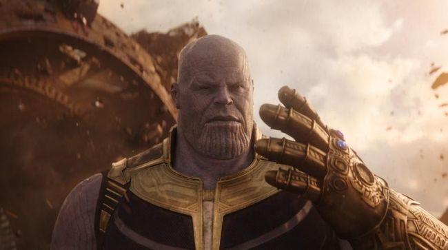 Di Titan, Thanos dilahirkan cacat dan berbeda dari kakaknya yang tampan, yang akhirnya berusaha membuktikan diri dengan mencari kekuatan dan kekuasaan.