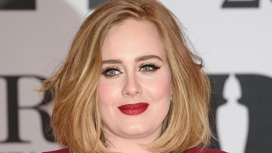 Cerita Adele, Tetap Prioritaskan Anak Meski Sudah Bercerai