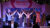 Kontes yang meriah ini diselingi dengan modern dance oleh para dancer cilik.