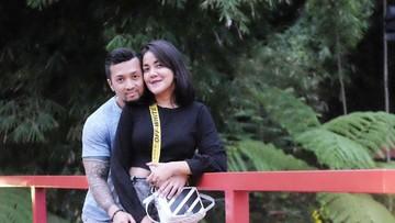 Kemesraan Ivy Batuta dan Suami yang Sudah 9 Tahun Menikah