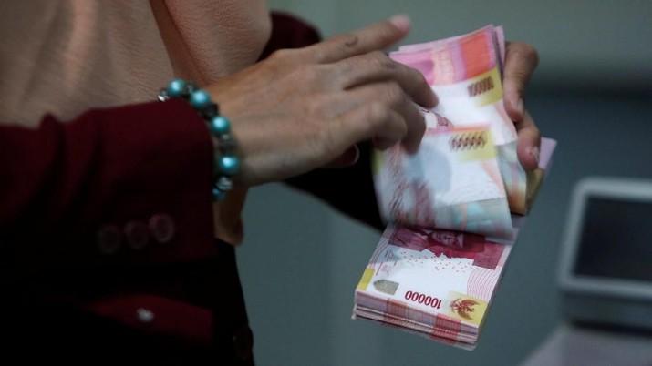 Dolar Sempat Sentuh Rp 14.400, Rupiah Terlemah Sejak Mei 2019
