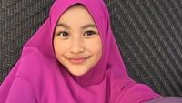 <p>Penampilan Aquene saat pakai hijab. Cantik juga lho. (Foto: Instagram @aqueneazizdjorghi) </p>