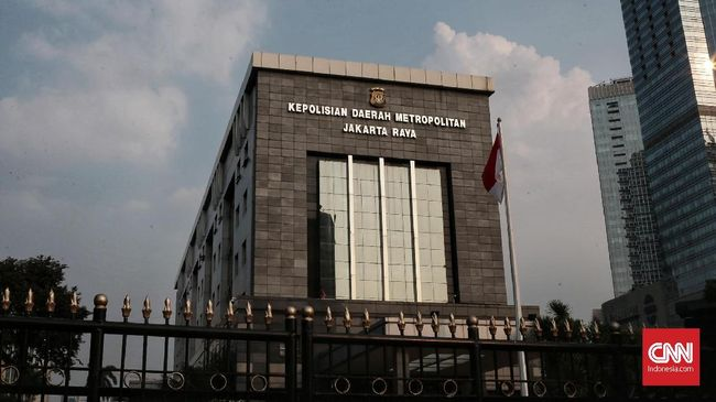 Mantan pramugari Garuda Indonesia, Cyndyana Lorens, diperiksa terkait laporan terhadap akun twitter @digeeembok.