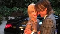 <p>Musisi country, Keith Urban, bersama sang istri yang merupakan aktris ternama, Nicole Kidman, ini masih selalu romantis meski sudah 12 tahun menikah. (Foto: Instagram/keithurban)</p>
