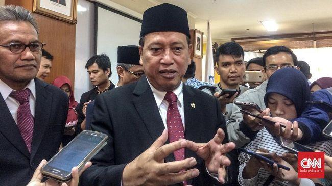 Menristekdikti Mohamad Nasir resmi mengumumkan rektor asing pertama di Indonesia untuk memimpin Indonesia Cyber Education (ICE) Institute.
