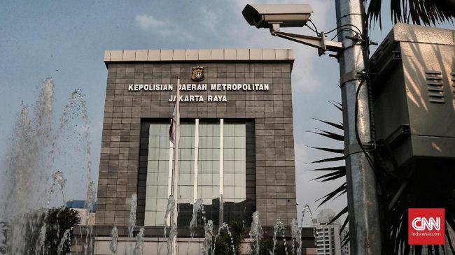 Polda Metro Jaya memanggil tiga orang panitia acara Kemah dan Apel Pemuda Islam Indonesia 2017, Senin (3/12), untuk dimintai keterangannya soal LPJ acara itu.