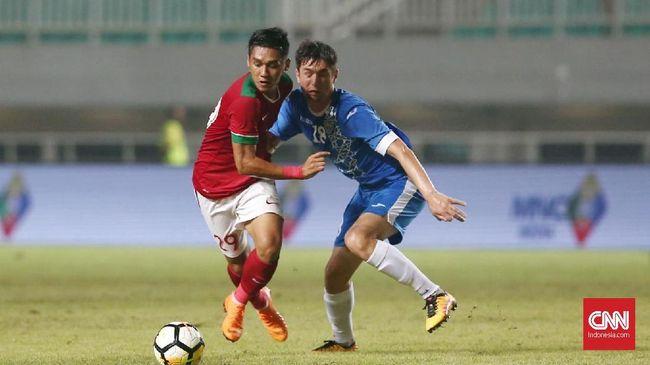 Timnas Indonesia untuk sementara bermain imbang 0-0 atas Uzbekistan pada babak pertama turnamen PSSI Anniversary Cup 2018 yang dihelat di Stadion Pakansari.