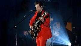 Album Baru Harry Styles Rajai Pekan Debut Penjualan