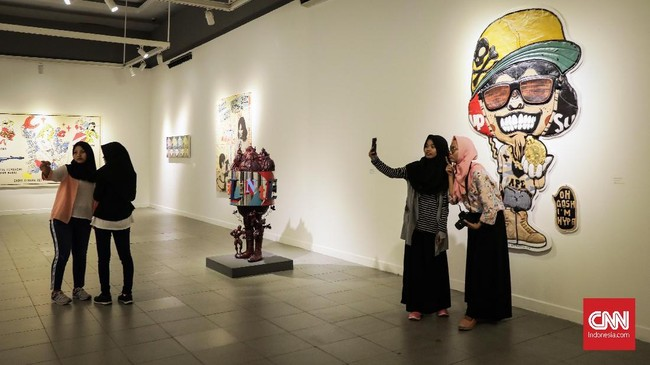 Pameran Seni Rupa Kontemporer Indonesia Manifesto ke-6 berlangsung mulai 2 Mei hingga 17 Mei di Galeri Nasional Indonesia, dengan tema 20 tahun pascareformasi.