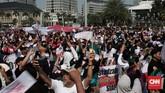 Ratusan orang memadati kawasan Monumen Nasional untuk mendeklarasikan gerakan #2019GantiPresiden, Minggu (6/5).