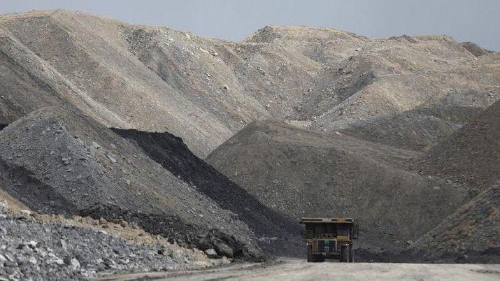 China Lanjut Batasi Impor, Harga Batu Bara Makin Hancur