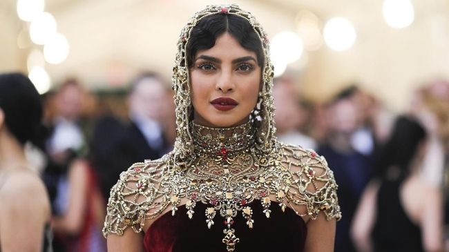 Priyanka Chopra punya niat khusus ketika membawa film India 'The Sky is Pink' bisa tayang di Toronto International Film Festival dan 'sejajar' dengan 'Joker'.