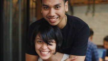 Potret Romantis Rayi 'RAN' dan Istri di Pernikahan Ketujuh Tahun